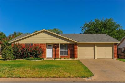 Burleson Single Family Home For Sale: 720 SW Sundown Trail