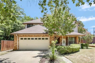 Kennedale Single Family Home For Sale: 206 E Mistletoe Drive