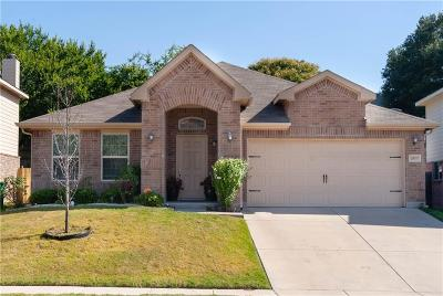 Fort Worth Single Family Home For Sale: 10037 Blue Bell Drive
