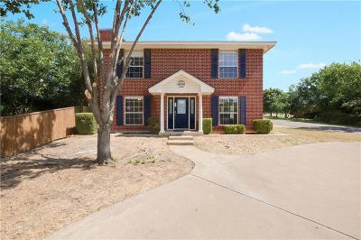 Kennedale Single Family Home For Sale: 300 W Broadway Street