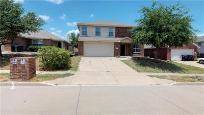 Fort Worth Single Family Home For Sale: 10132 High Eagle Trail