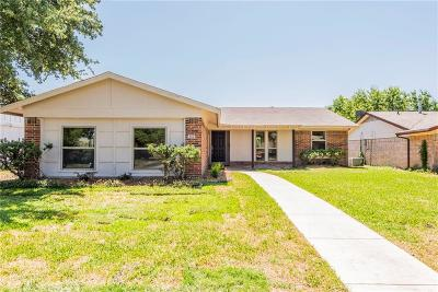 Garland Single Family Home Active Contingent: 802 Ravencroft Drive