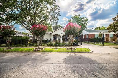 Single Family Home For Sale: 9425 Lenel Place