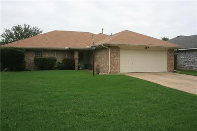 Burleson Single Family Home For Sale: 718 Stonebrooke Drive