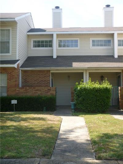 Lewisville Townhouse Active Option Contract: 704 Creekwood Drive