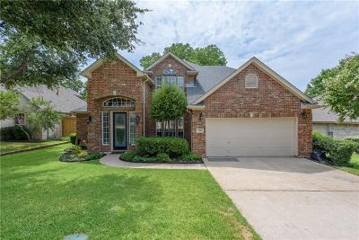Hurst, Euless, Bedford Single Family Home For Sale: 3705 Comanche Trail