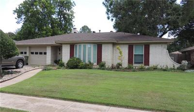 Bedford Single Family Home For Sale: 1716 Vicksburg Drive