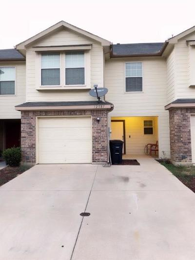 Euless Townhouse For Sale: 12507 Oceanside Drive