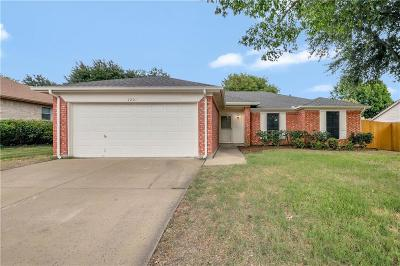Benbrook Single Family Home For Sale: 7201 Royal Oak Drive