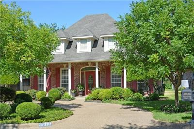 Fort Worth Single Family Home For Sale: 2717 Riverwood Trail