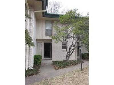 Richardson Condo Active Kick Out: 928 S Weatherred Drive #B