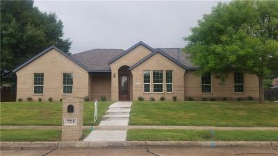 Rowlett Single Family Home For Sale: 7210 Lynn Drive