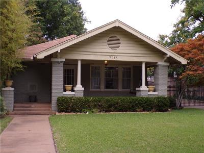 Fort Worth Single Family Home For Sale: 2017 Hillcrest Street