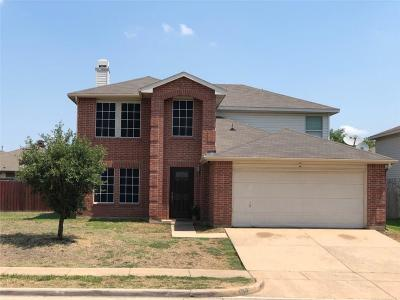 Tarrant County Single Family Home For Sale: 921 White Dove Drive