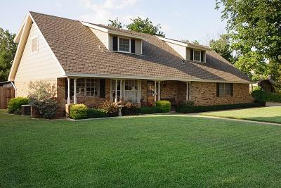 Haltom City Single Family Home For Sale: 6333 Tosca Drive