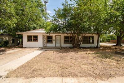 Arlington Single Family Home Active Option Contract: 1015 E Inwood Drive