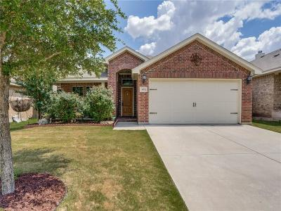Azle Single Family Home Active Option Contract: 633 Clearbrook Street