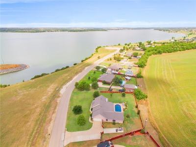 Cleburne Single Family Home For Sale: 2509 Lakeshore Drive