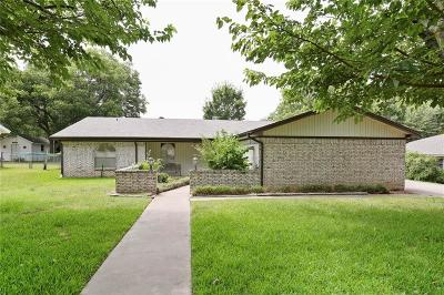 Cleburne Single Family Home For Sale: 1303 Hemphill Drive