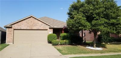 Fort Worth Single Family Home For Sale: 8908 Silent Brook Lane