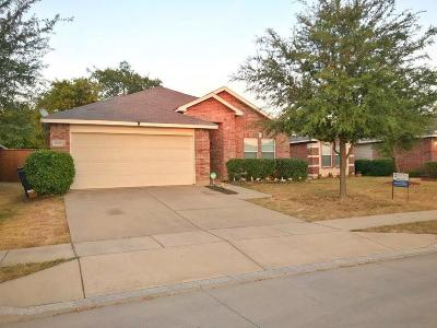 Fort Worth Single Family Home Active Option Contract: 16836 Pinery Way