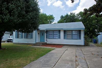Garland Single Family Home Active Option Contract: 1317 Devonwood Drive