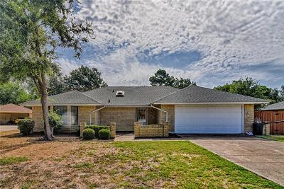 Mansfield TX Single Family Home For Sale: $230,000