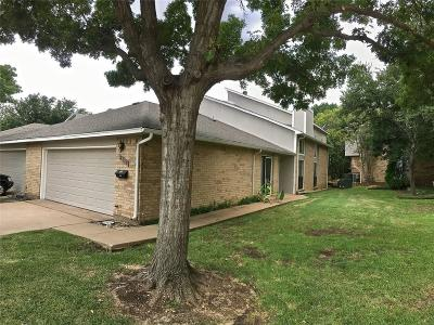 Carrollton Townhouse Active Option Contract: 2110 Mistymeadow Court