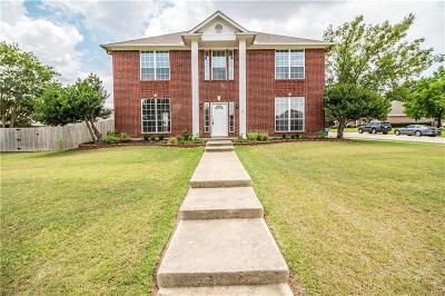 Keller Single Family Home For Sale: 1061 Oak Valley Court