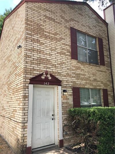 Duncanville Townhouse Active Option Contract: 142 Austin Stone Drive