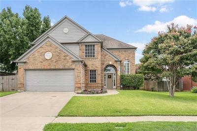 Arlington Single Family Home For Sale: 7108 Royal Gate Drive