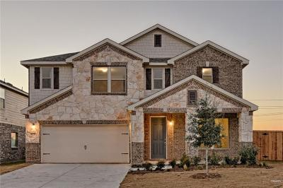 Fort Worth Single Family Home For Sale: 10237 Fox Springs Drive