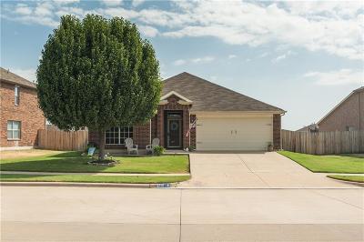 Arlington Single Family Home For Sale: 8215 Mossberg Drive