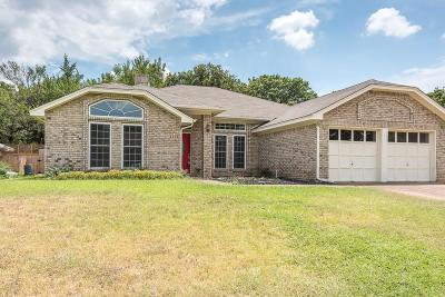 Euless Single Family Home For Sale: 2203 Eva Lane