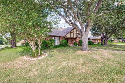 North Richland Hills Single Family Home For Sale: 5068 Lake View Circle