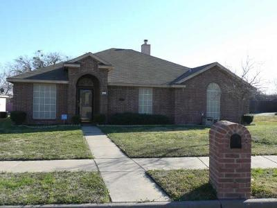Mesquite Single Family Home Active Option Contract: 1340 Maple Ridge Drive