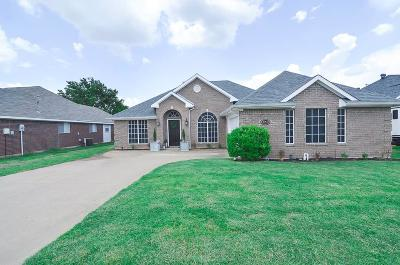 Sachse Single Family Home For Sale: 4902 Lee Hutson Lane