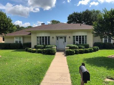 Arlington Single Family Home For Sale: 1819 Ridgeside Drive