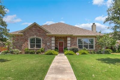 Cleburne Single Family Home For Sale: 705 Meadow View Drive