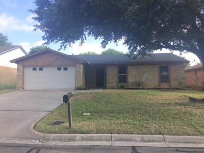Arlington Single Family Home Active Option Contract: 931 W Embercrest Drive