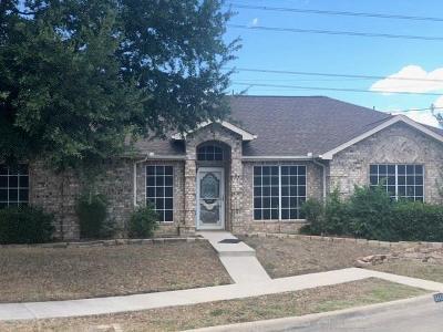 Arlington Single Family Home For Sale: 6443 Brookhaven Trail