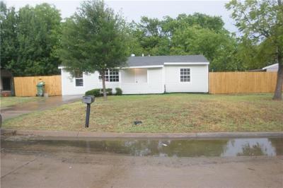 Arlington Single Family Home For Sale: 905 Aleta Street