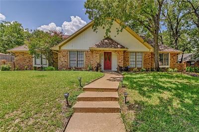 Arlington Single Family Home For Sale: 2810 Greenbrook Drive