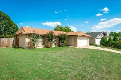 Arlington Single Family Home For Sale: 3501 Green Hill Drive