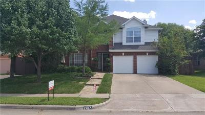 Grapevine Single Family Home For Sale: 2417 Bowie Lane