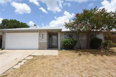 Fort Worth Single Family Home For Sale: 3720 Bridalwreath Drive