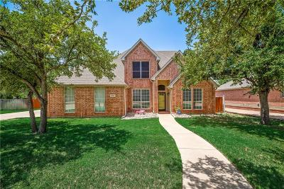 Tarrant County Single Family Home For Sale: 1906 Ivygreen Court