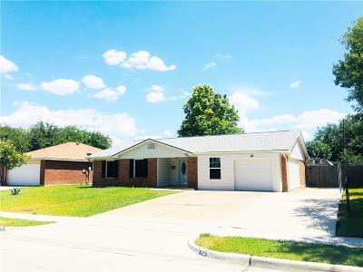 Grand Prairie Single Family Home For Sale: 625 W Springdale Lane