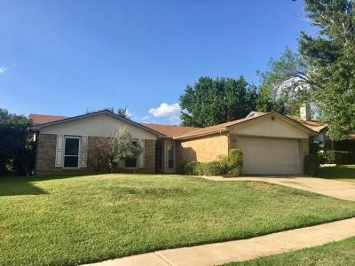 Arlington Single Family Home For Sale: 7119 Forestview Drive