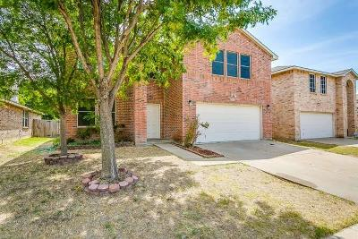 Fort Worth Single Family Home For Sale: 9205 Riding Stable Lane